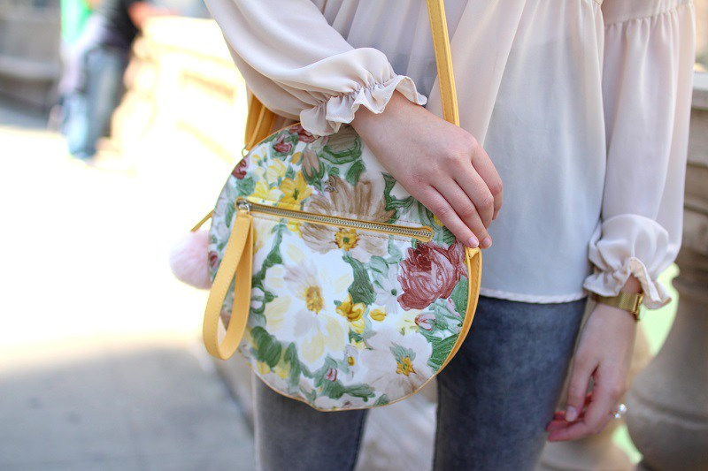 elisabetta pistoni Round Flower Bag Diana&co Chicago detail oriz close